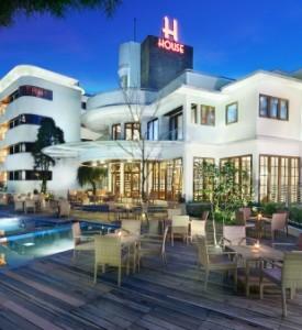 singgasana hotels & resorts pilihan akomodasi terbaik di indonesia on Bandung
